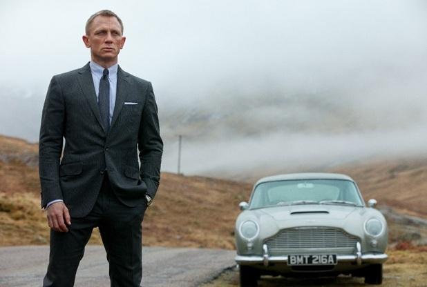Daniel Craig James Bond Aston Martin
