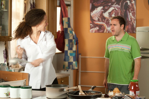 Tyrone apologises to Kirsty, but implies that she is over-reacting. Kirsty reaches boiling point and lashes out at Tyrone