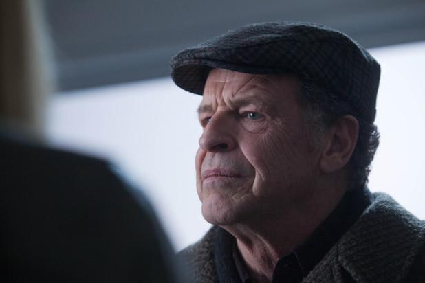 Fringe S04E19: 'Letters of Transit'