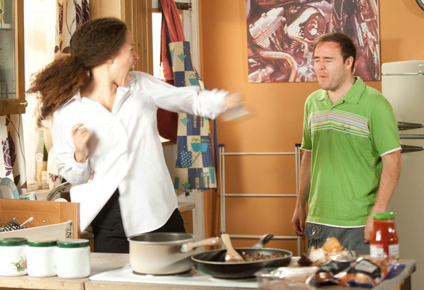 Kirsty Soames (Natalie Gumede) hits Tyrone Dobbs (Alan Halsall)