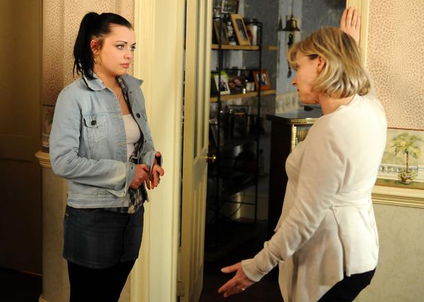 EastEnders: 4421: 2012-05-04