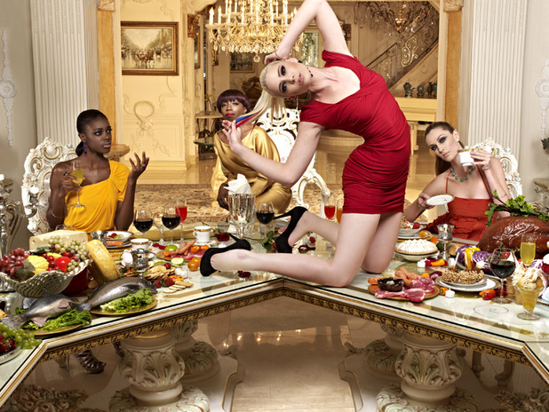 Alisha, Estelle, Laura (on table) and Kyle