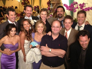 Eva Longoria and other Desperate Housewives cast and crew on last day of filming