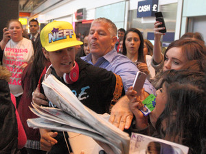 Justin Bieber arrives at London&#39;s Heather Airport