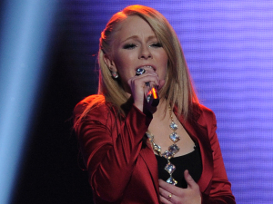 American Idol - The Top 6 Perform - Hollie Cavanaugh