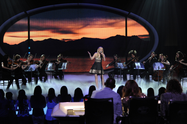 American Idol - Season 11 - The Top 6 Perform