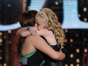 &#39;American Idol&#39;: Hollie and Skylar hug following Skylar&#39;s elimination