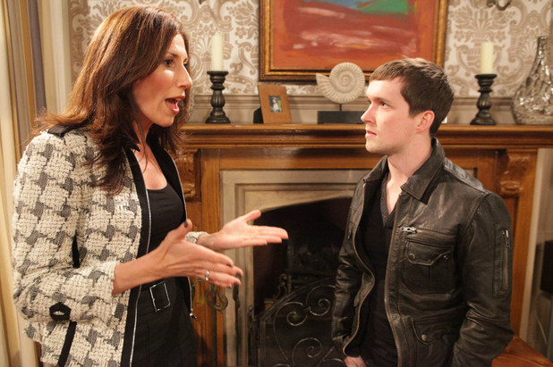 Robbie tells Megan that she means nothing to him and she should not try and contact him again