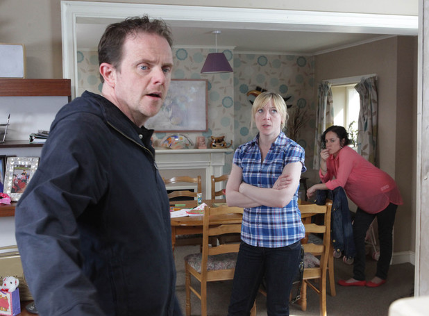 An angry Dan marches into Ali and Ruby's after Sean lies to him, claiming Ruby tried to kiss him