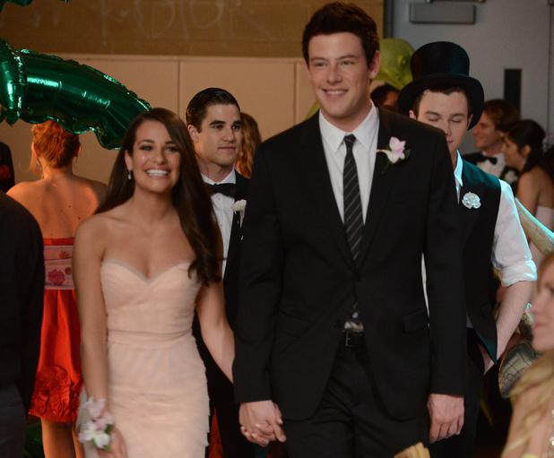 Glee S03E19: 'Prom-A-Saurus'