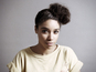 Lianne La Havas performs 'Gone' in café