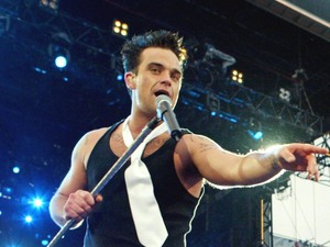 Robbie Williams / Let Me Entertain You Knebworth, 2003