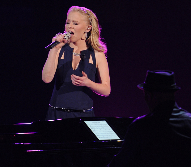'American Idol': The Top 4 - Hollie Cavanagh