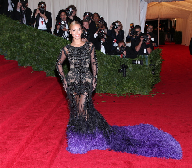 Best & Worst dressed stars at the Met Ball 2012