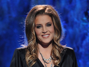 Lisa Marie Presley performs on the &#39;American Idol&#39; semi-final
