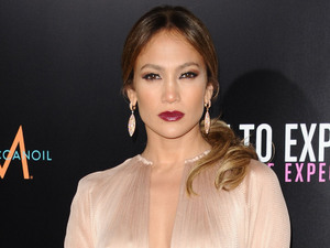 Jennifer Lopez, What to Expect When You're expecting
