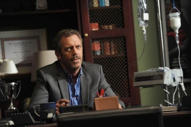 House S08E21: 'Holding On'