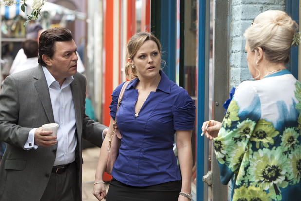Tanya tells Derek that Alice didn't want to see him.