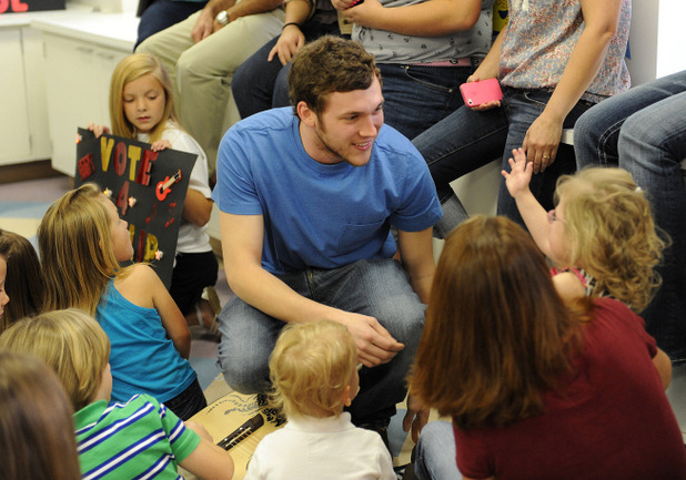 Phillip Phillips visits children at Phoebe Putney Memorial Hospial during his hometown visit to Leesburg, Georgia