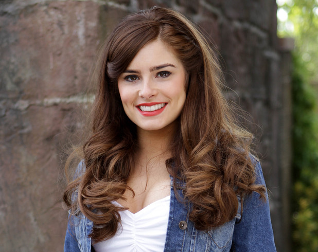 Rachel Shenton as Mitzeee Minniver