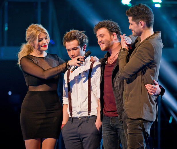 Danny chooses Aleks Josh and David Julien leave The Voice.