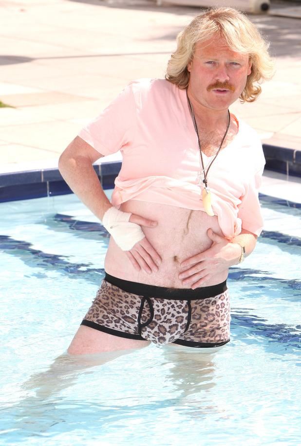Kelly Brook Keith Lemon Movie Scene Hot Girls Wallpaper