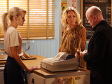 Phil pays Ian's debt to Janine.