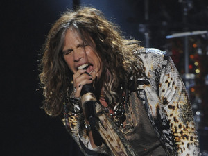 &#39;American Idol&#39; final: Aerosmith perform