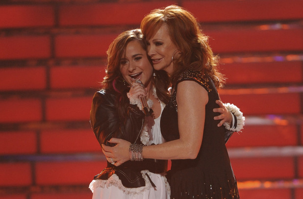 'American Idol' final: Skylar Laine with Reba McEntire