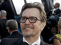 Gary Oldman reads R Kelly book - video