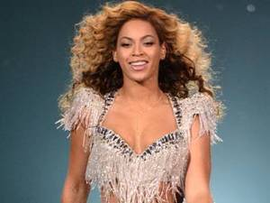 Beyonce Knowles dazzled on s tage as she walked the catwalk wearing Ralph & Russo Couture for a Revel Resort Performance