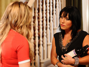 Roxy reveals to Kat that she had a crush on Alfie.