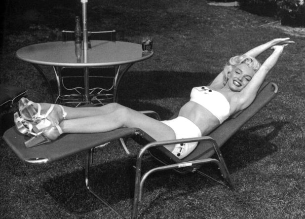 Marilyn Monroe showing off her swimwear