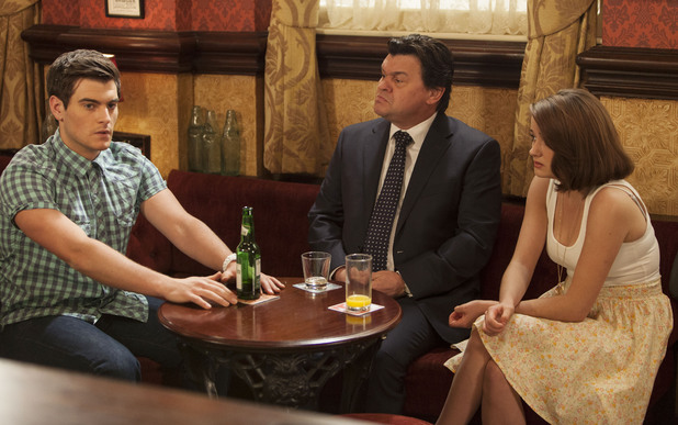 Derek forces Anthony and Alice out on a date.