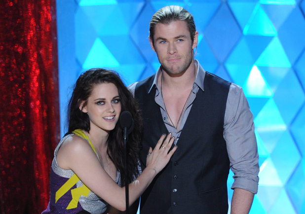Kristen Stewart and Chris Hemsworth at the MTV Movie Awards 2012