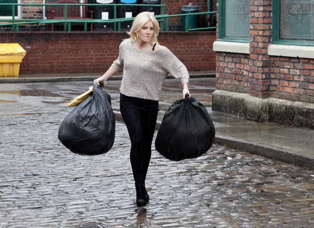 After Eva tells Stella what she witnessed between Sunita and Karl the previous night, a furious Stella assumes that Karl is gambling again and throws Karl's bags out into the street