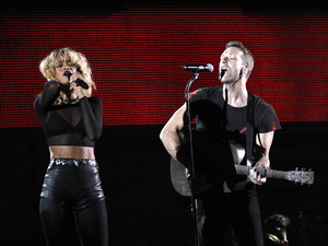 Rihanna and Coldplay perform 'Princess of China' at the Grammy Awards, February 2012