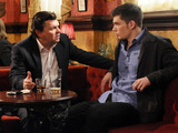 Derek and Joey meet in the pub.