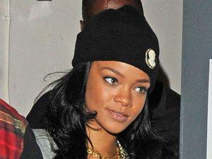 Rihanna, c*ntlife t-shirt