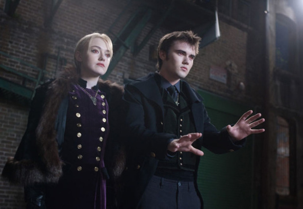 Twilight: Breaking Dawn - Part 2 Dakota Fanning Cameron Bright