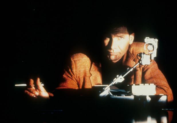 Deckard operates a Voight-Kampff machine