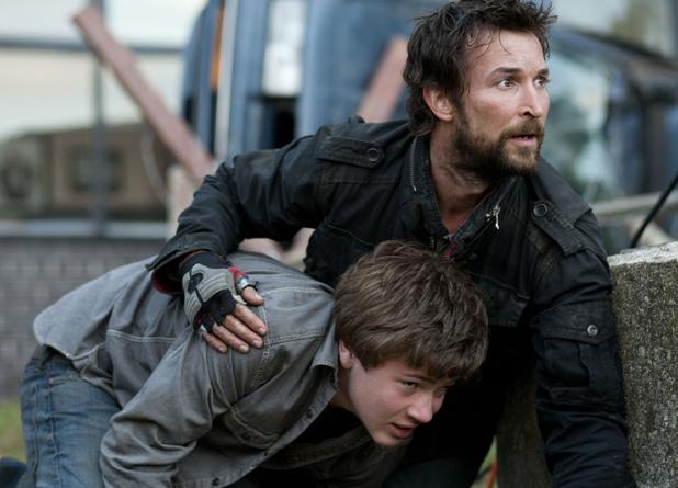 Noah Wyle in 'Falling Skies'