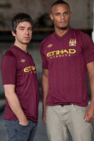 Noel Gallagher launches new Manchester City kit