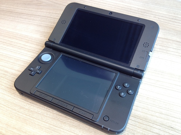 3DS XL hands-on gallery