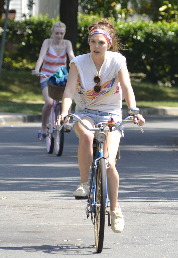 Dakota Fanning and Elizabeth Olsen