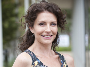 Simmone Jade Mackinnon as Zoe Alexander