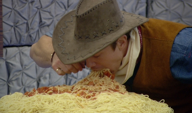 Big Brother 2012 - Day 41: Luke S eating pasta