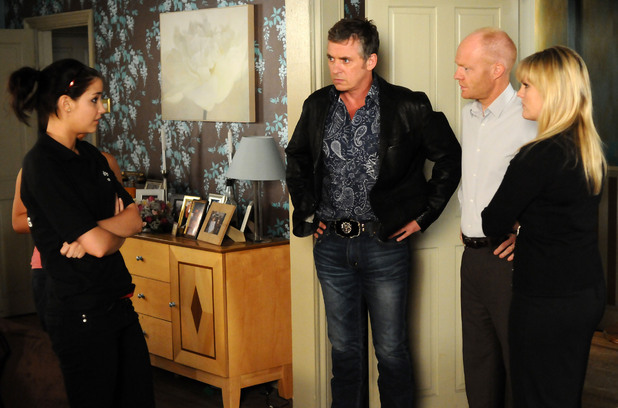 Lauren tells Max, Tanya and Alfie about Ian's situation.