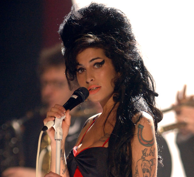 Amy Winehouse Brit Awards 2007, Earls Court.  Singing on stage.