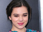 Tommy Lee Jones casts Hailee Steinfeld